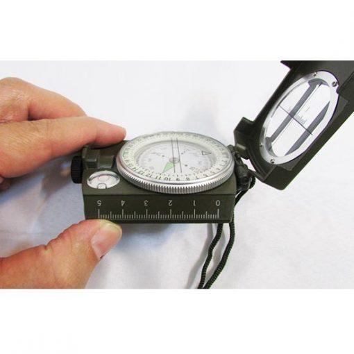 نمای بغل قطب نمای سانتو چینی دارای درجه بندی سانتیمتر