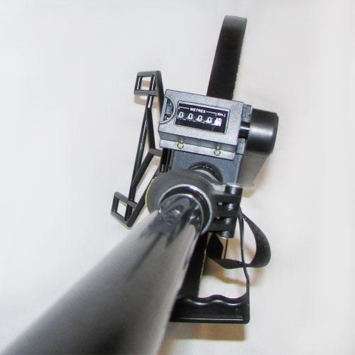 نمایی از دسته ، کنتور و چرخ چرخ متر دستی آنالوگ لوفکین