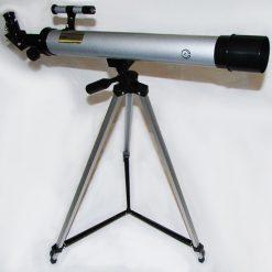 نمای نزدیک از تلسکوپ مبتدی شکستی مدل 50600