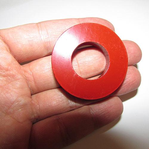 نمایی دیگر از آهنربای حلقه ای - آهنربای رینگی با قطر 4.5 سانتیمتر